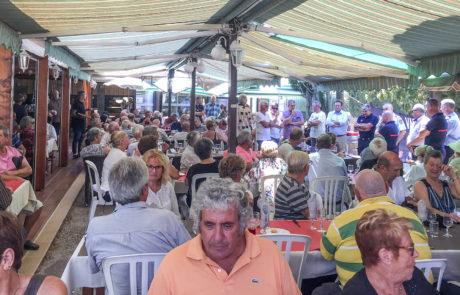 Location salle repas de groupe Bormes Hyères Saint Tropez Var 83